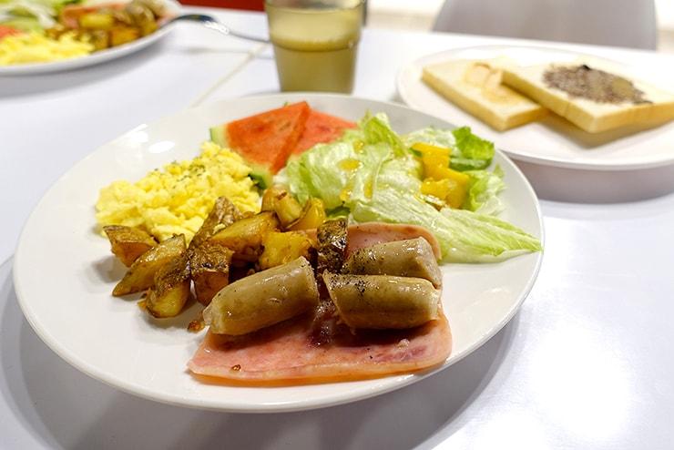 花蓮駅前のおしゃれホテル「回然慢時旅店 Meci Hotel」の朝食