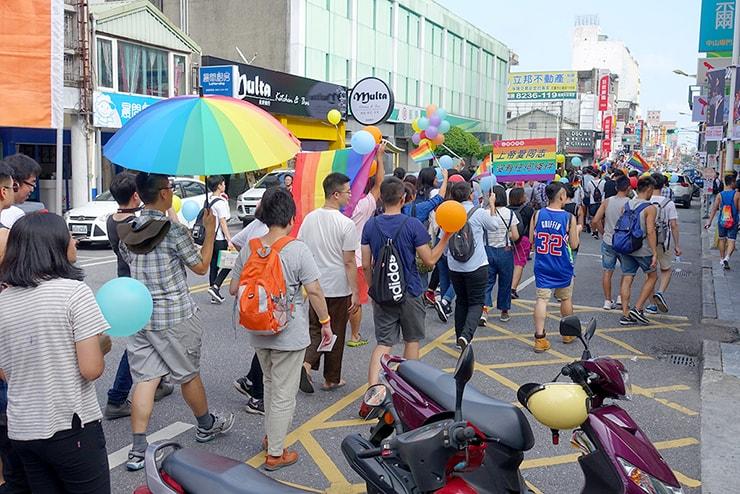 花蓮彩虹嘉年華(花蓮LGBTプライド)2016で街を練り歩くパレード隊列