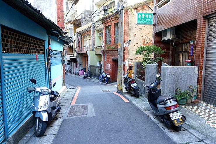 台北・淡水の路地裏に広がる景色