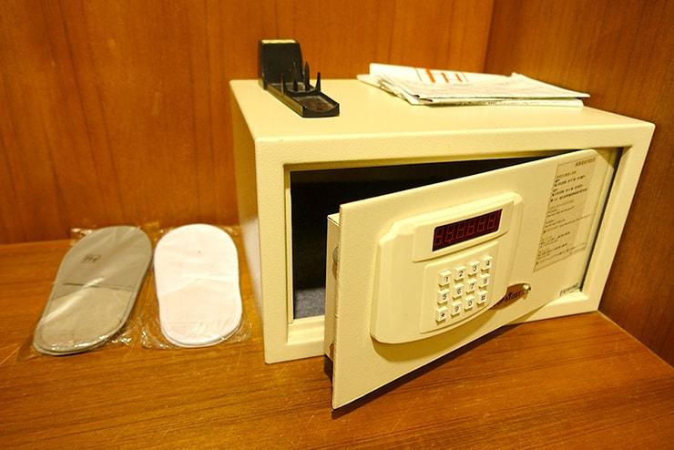 新竹の豪華ビジネスホテル「新竹福泰商務飯店 Forte Hotel Hsinchu」ダブルルームのセキュリティボックス