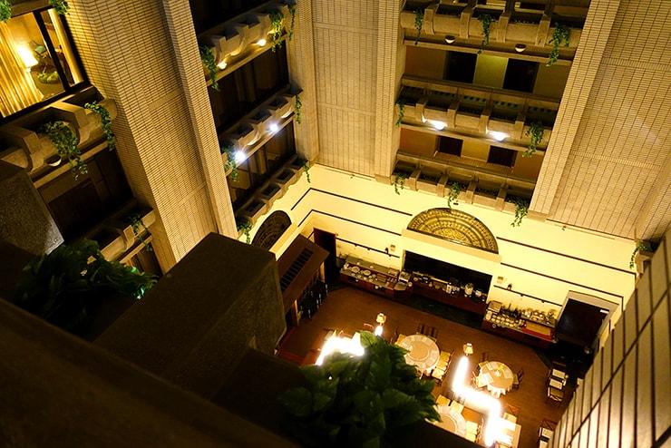 新竹の豪華ビジネスホテル「新竹福泰商務飯店 Forte Hotel Hsinchu」の吹き抜けエリア