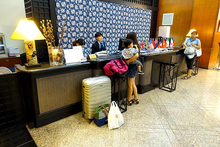 新竹の豪華ビジネスホテル「新竹福泰商務飯店 Forte Hotel Hsinchu」のフロント