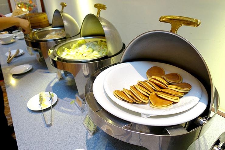 新竹の豪華ビジネスホテル「新竹福泰商務飯店 Forte Hotel Hsinchu」の朝食バイキング(どら焼き)