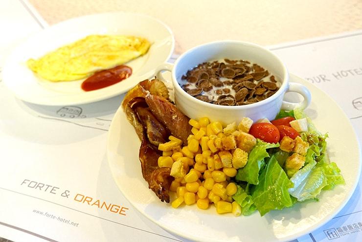新竹の豪華ビジネスホテル「新竹福泰商務飯店 Forte Hotel Hsinchu」の朝食バイキング
