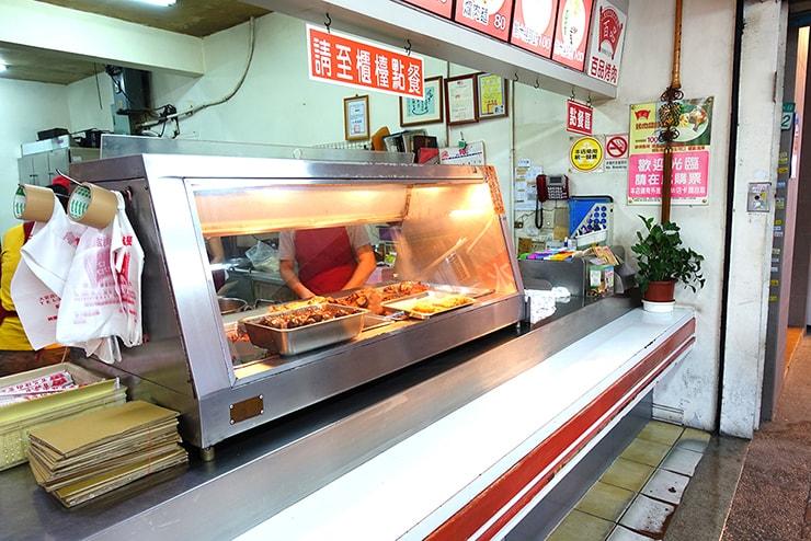 台北・大安「百品烤肉」の注文カウンター