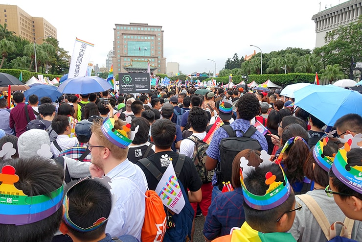 台灣同志遊行(台湾LGBTプライド)2016でパレード出発後のステージ前