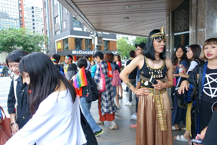 台灣同志遊行(台湾LGBTプライド)2016のパレードに参加するクレオパトラ