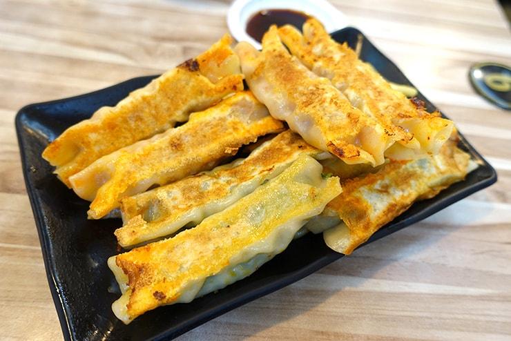 台湾の餃子チェーン店「八方雲集」の鍋貼(焼き餃子)