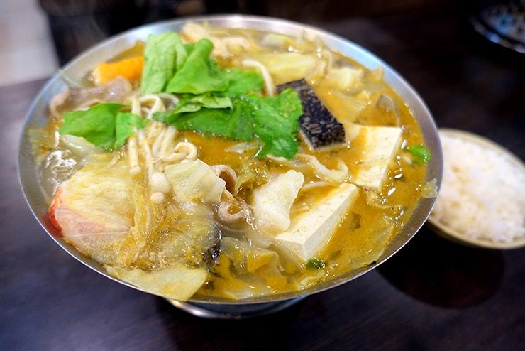 台湾の一人鍋チェーン店「三媽臭臭鍋」の大腸臭臭鍋