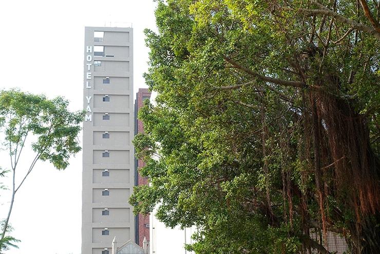 高雄・鹽埕埔の海が見えるロケーション最高のLGBTフレンドリーホテル「塩旅社 Hotel Yam」の遠景