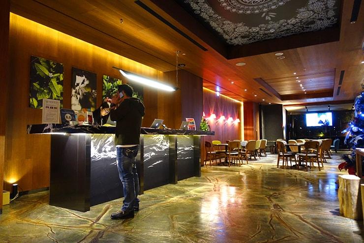 台中駅近くのおしゃれホテル「薆悅酒店 *inhouse hotel(台中館)」のフロント
