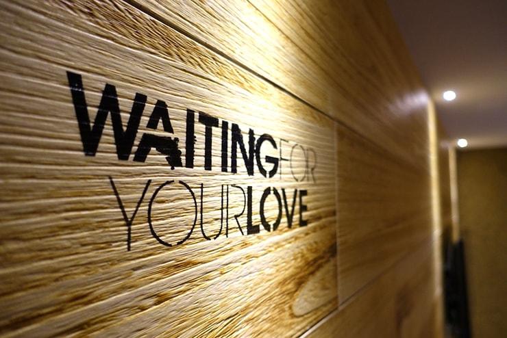 台中駅近くのおしゃれホテル「薆悅酒店 *inhouse hotel(台中館)」精品客房(ダブルルーム)に散りばめられたメッセージ
