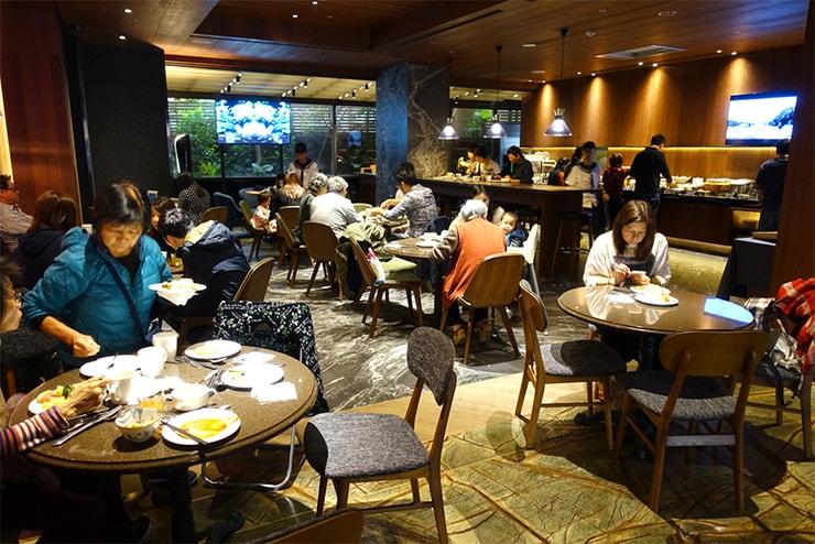 台中駅近くのおしゃれホテル「薆悅酒店 *inhouse hotel(台中館)」の朝食スペース