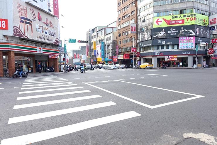 台鐵(台湾鉄道)台中駅前「復興台中路口」