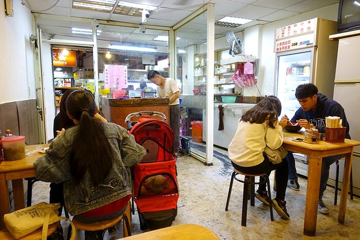 台北・公館夜市のおすすめグルメ「品味牛肉麵」の店内