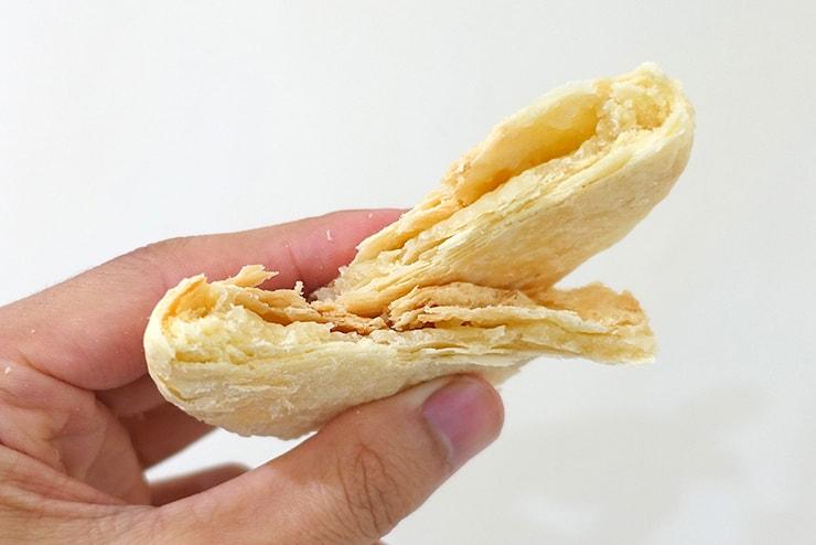台北駅のおすすめおみやげ「陳允宝泉」の太陽餅(タイヤンピン)クローズアップ