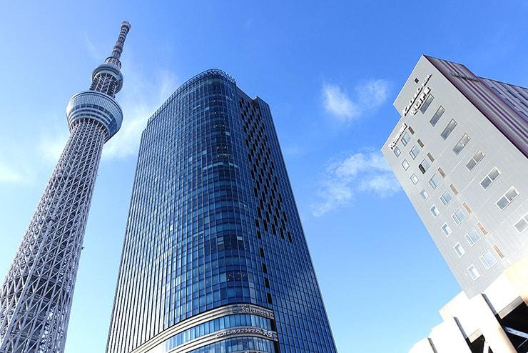 東京スカイツリー駅から見上げる空
