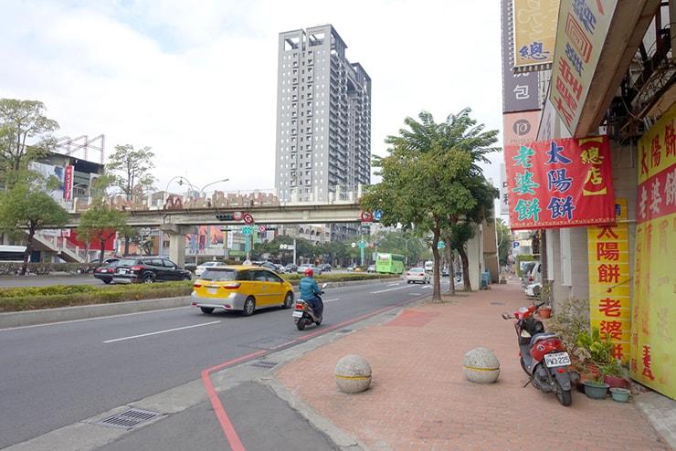 台中・台灣大道の歩道橋