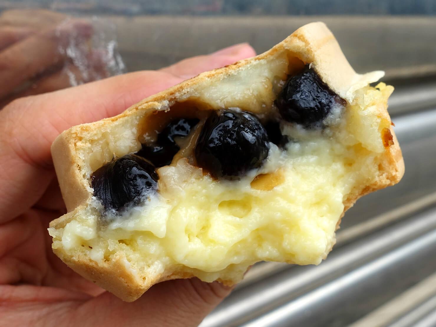 台北・公館夜市のおすすめグルメ店「兩點」の珍珠奶油クローズアップ