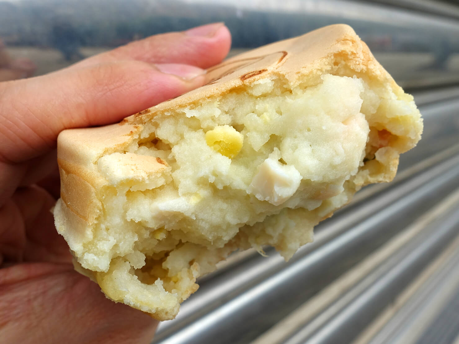 台北・公館夜市のおすすめグルメ店「兩點」の馬鈴薯沙拉