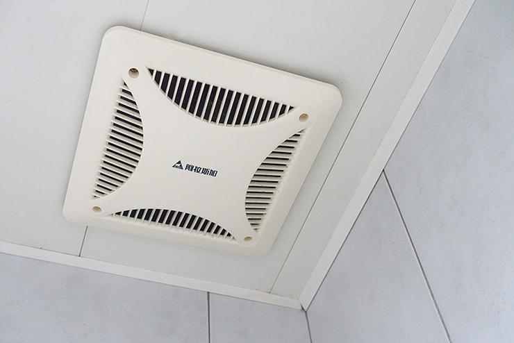 台湾の賃貸物件浴室の換気口