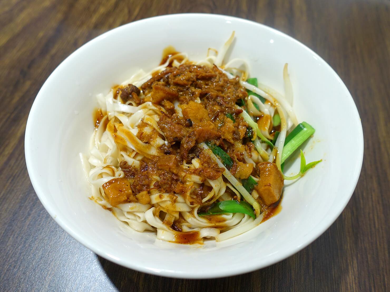 台北・臨江街夜市のおすすめグルメ店「蘇媽媽湯圓」の肉燥乾麵