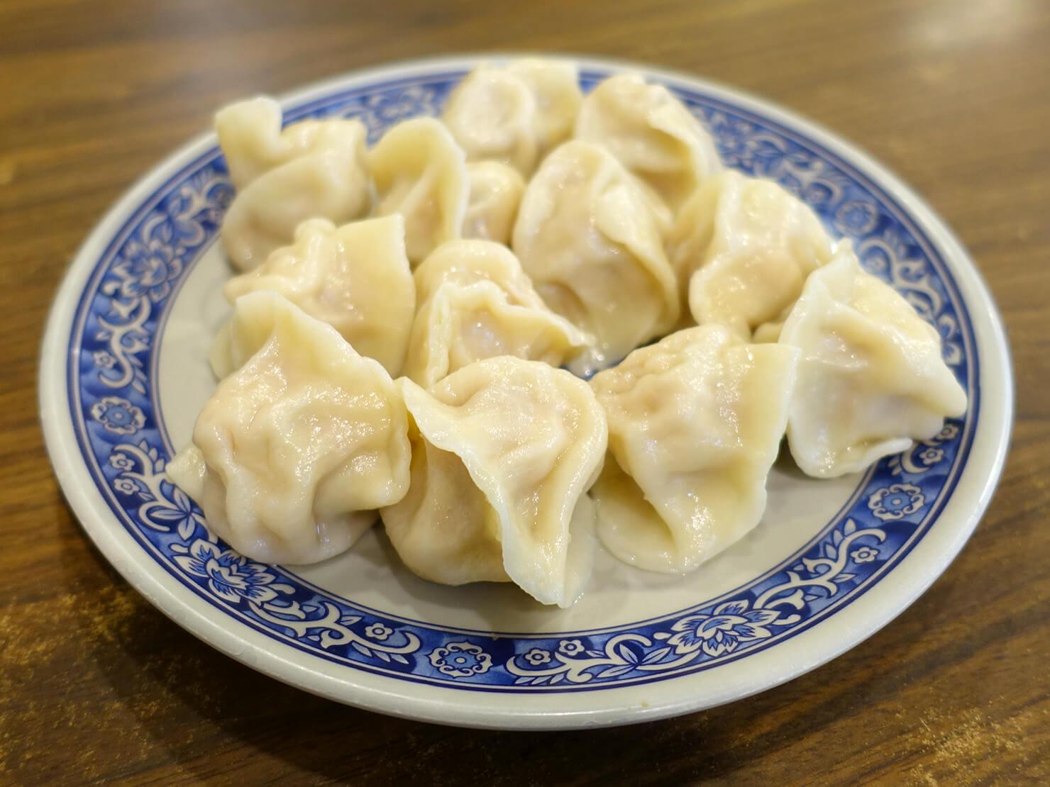台北・臨江街夜市のおすすめグルメ店「杜記麵館」の鮮肉水餃