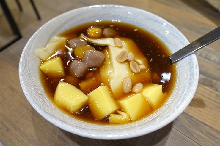 台北・樂華夜市「同家豆花」の傳統手工豆花(黑糖)