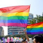 台中同志遊行(台中LGBTプライド)で掲げられるレインボーフラッグ