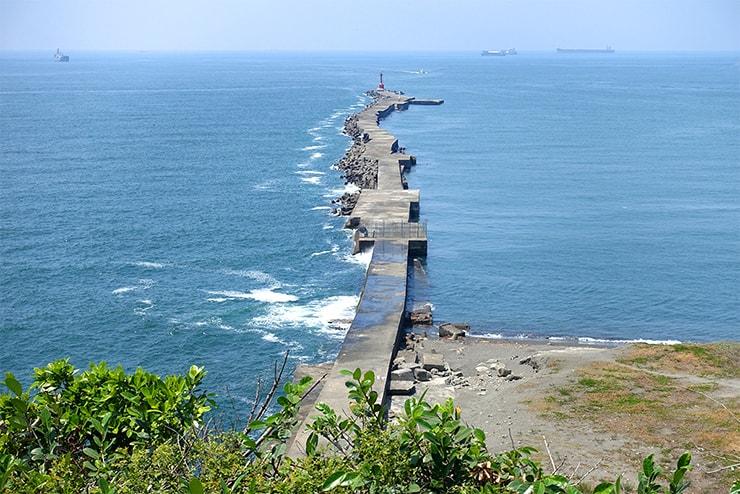 高雄・旗津の人気観光スポット「旗後炮台」から望む海