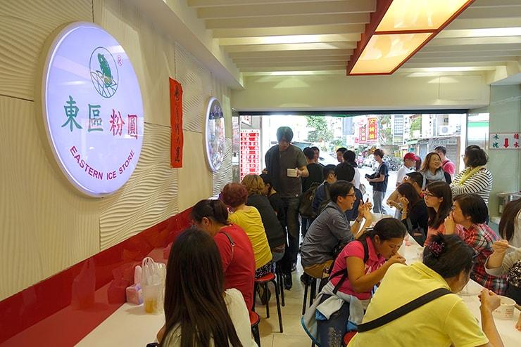 台北・東區(忠孝敦化)の人気台湾デザート店「東區粉圓」の店内