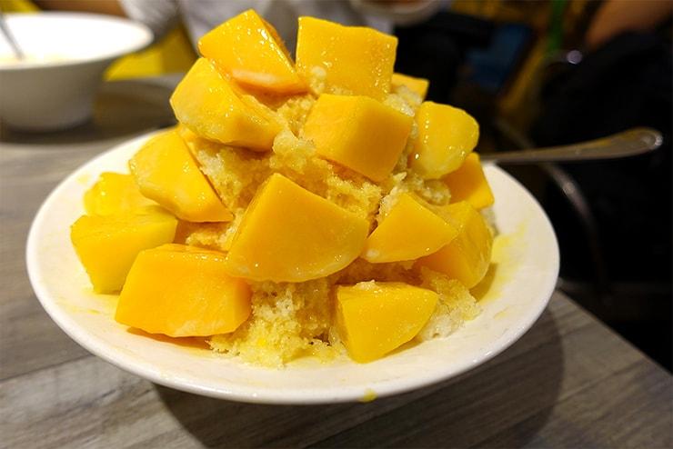 台北・四平街(松江南京)のおすすめマンゴーかき氷店「綠豆蒜啥咪」の愛文芒果冰