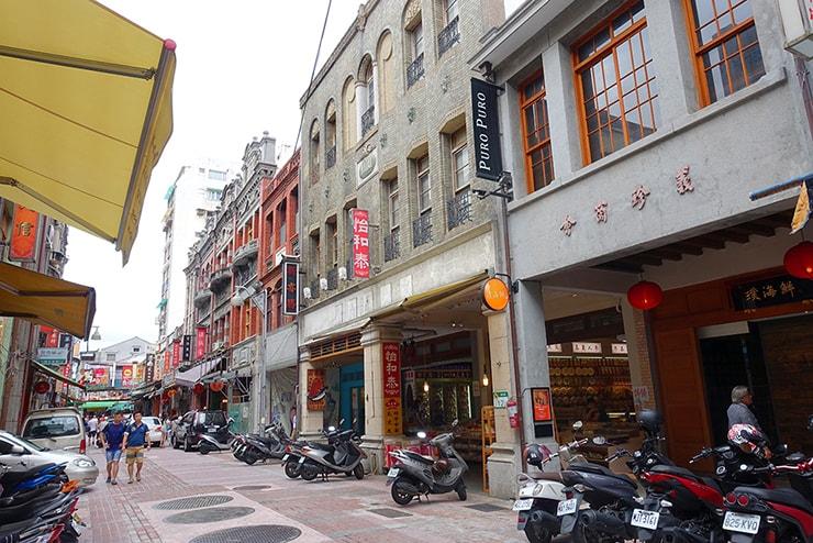 台北の人気観光スポット「迪化街」の街並み