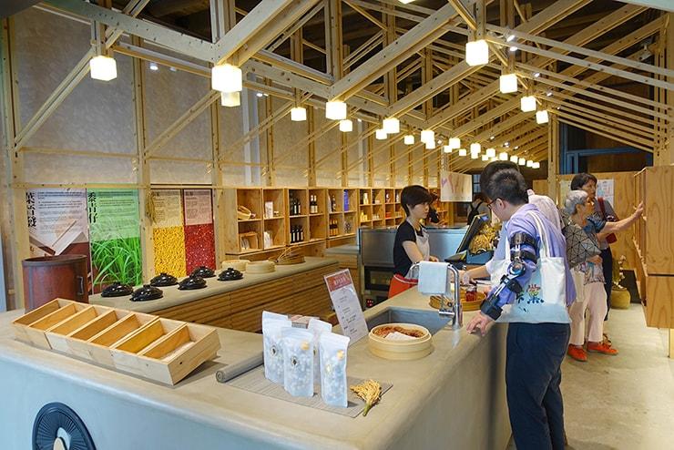 台北・迪化街のお米屋さん「葉晋發」の店内