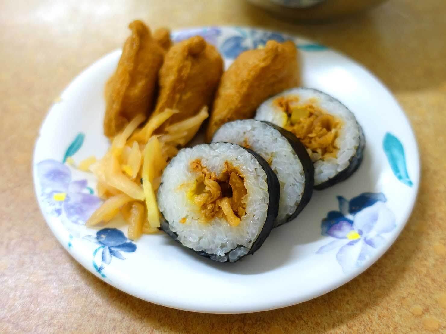 台北・寧夏夜市のおすすめグルメ店「阿川蚵仔麵線」の壽司