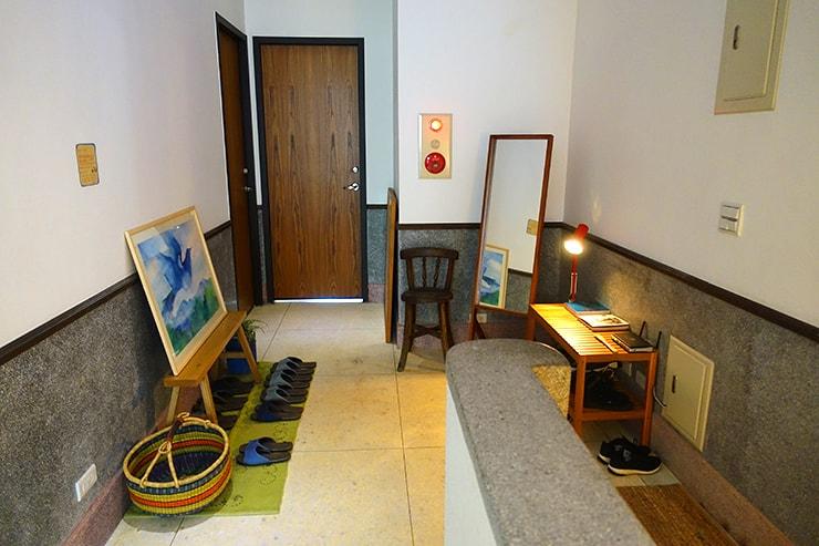 台北・迪化街のおしゃれな古民家リノベゲストハウス「OrigInn Space」の2階ホール