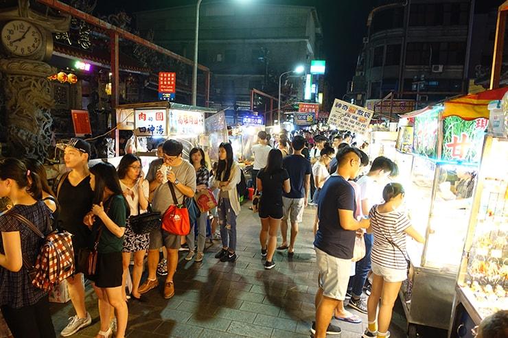 台北最大の超有名夜市・士林夜市の風景