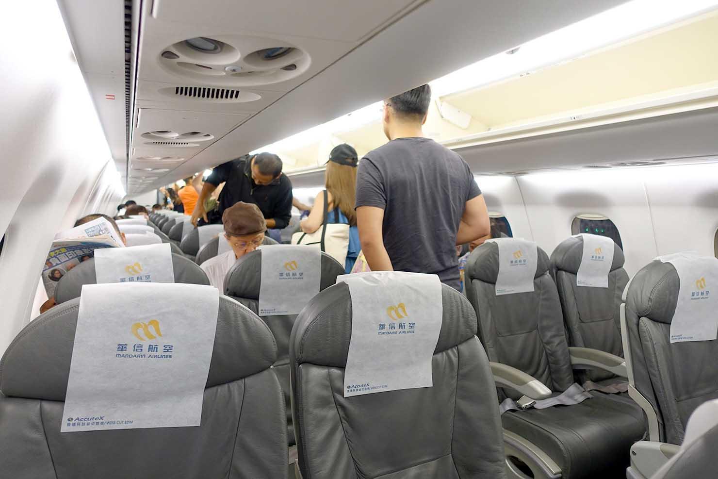 台湾国内線マンダリン航空(華信航空)の機内