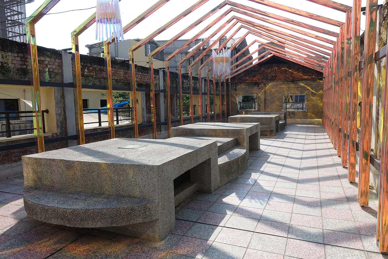 台湾の古都・台南のおすすめ観光スポット「藍晒圖文創園區」の屋上アート