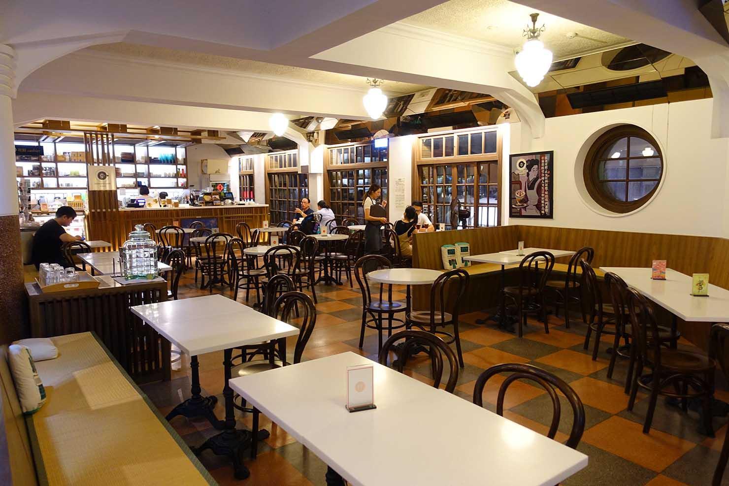 台湾の古都・台南のおすすめ観光スポット「林百貨」のカフェ