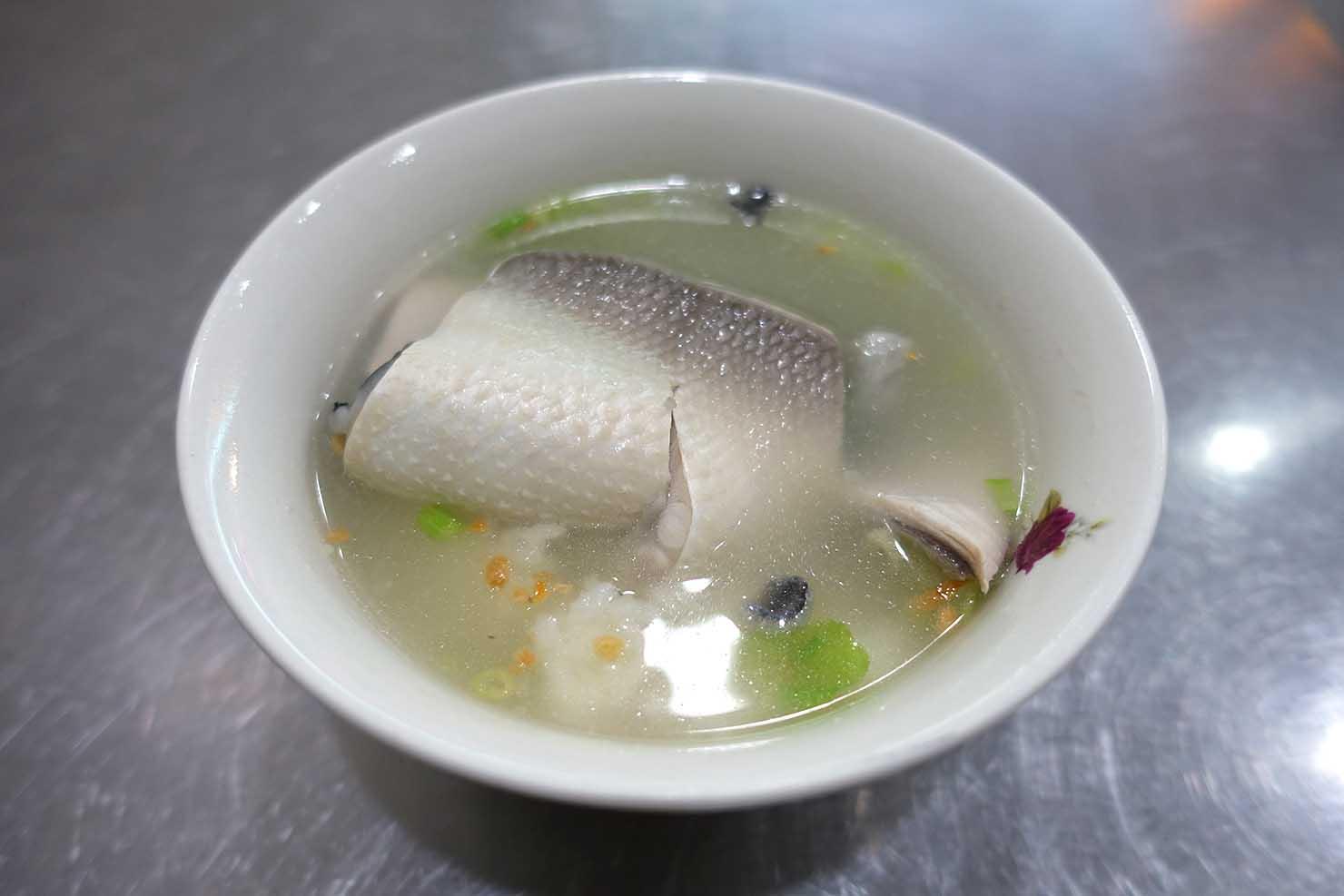 台湾の古都・台南のおすすめグルメスポット「國華街」でいただける魚肚粥(サバヒー粥)