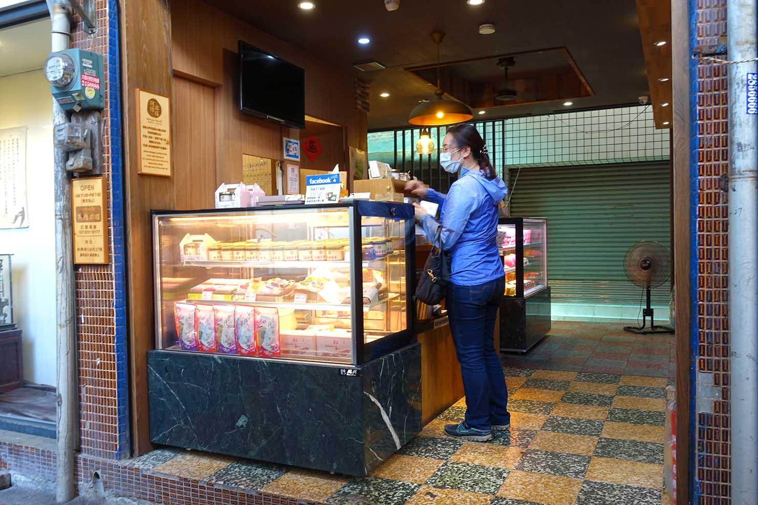 高雄の伝統台湾グルメエリア・鹽埕埔「阿棉麻糬」の店内