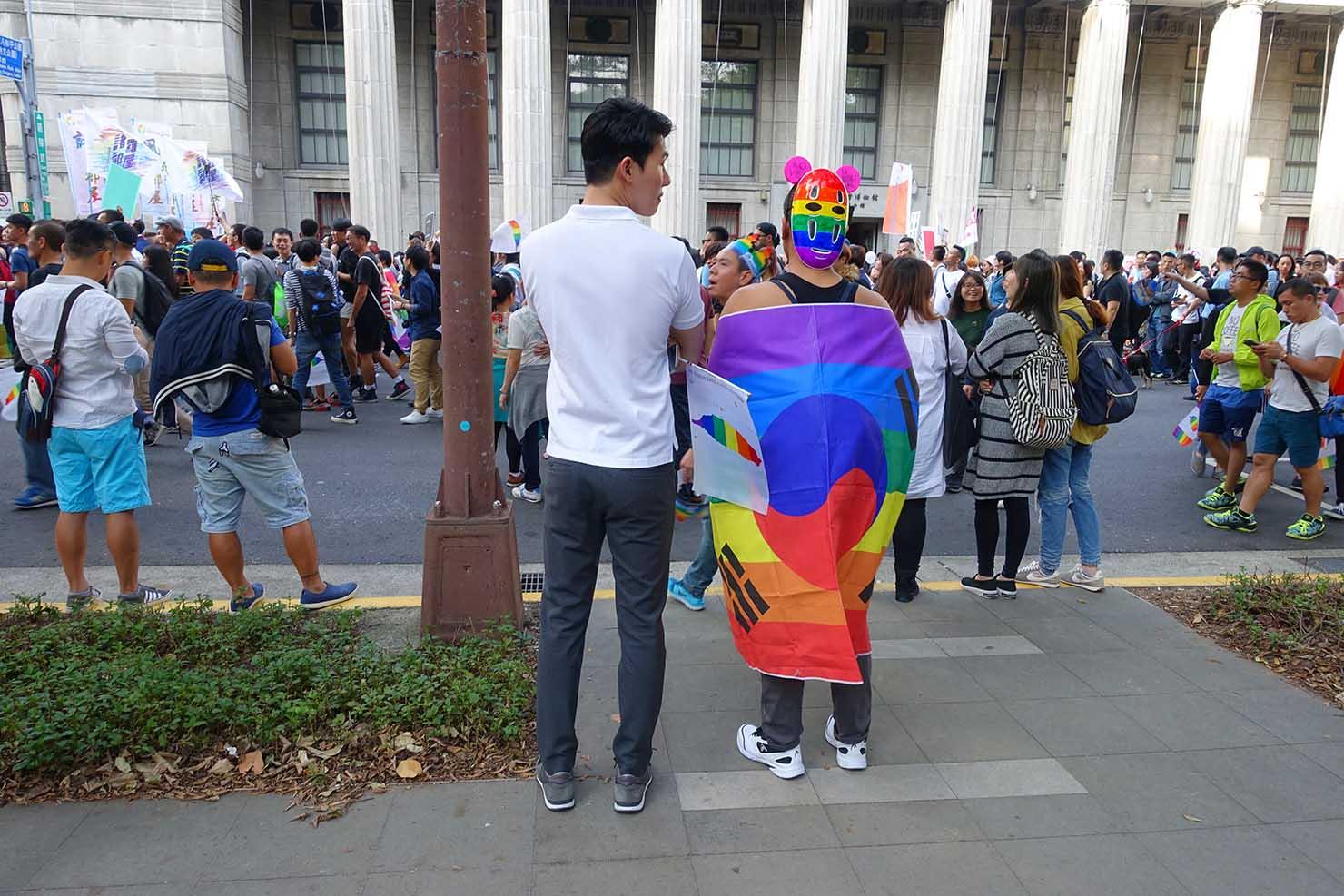 台湾LGBTプライド(台灣同志遊行)2017に参加する韓国からの参加者