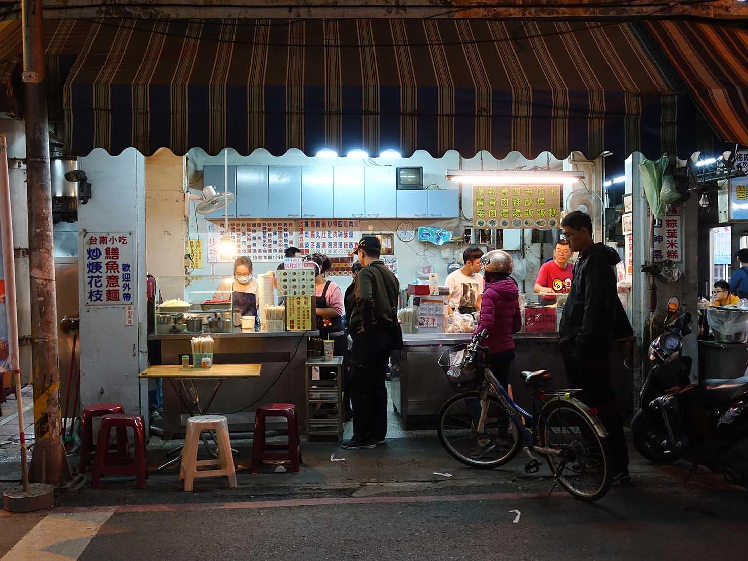 台南・永樂市場(國華街)のおすすめ台湾グルメ店「黃記鱔魚意麵」の外観