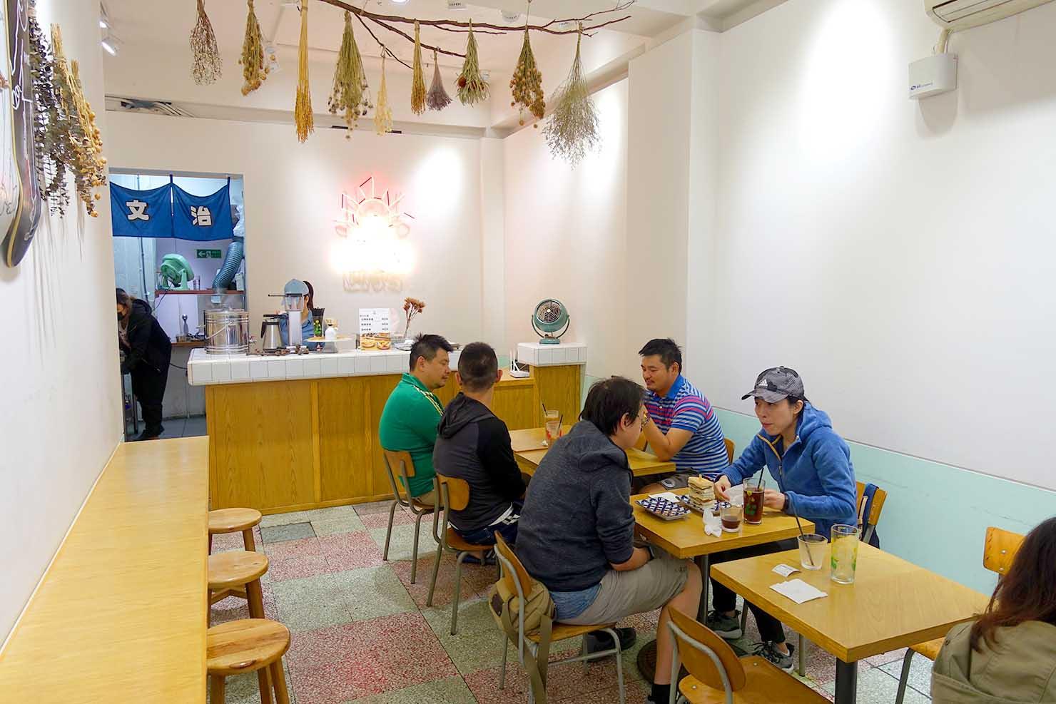 台北・西門町のおすすめ朝ごはん屋さん「山文治」の店内