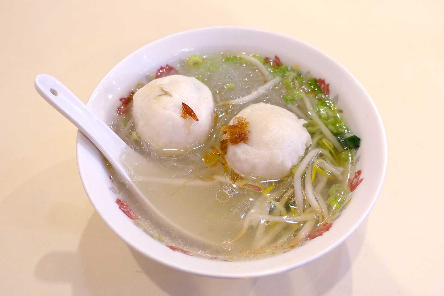 台北・西門町のおすすめ朝ごはん屋さん「永富魚丸湯」の福州魚丸湯+冬粉(魚のつみれ入り春雨スープ)
