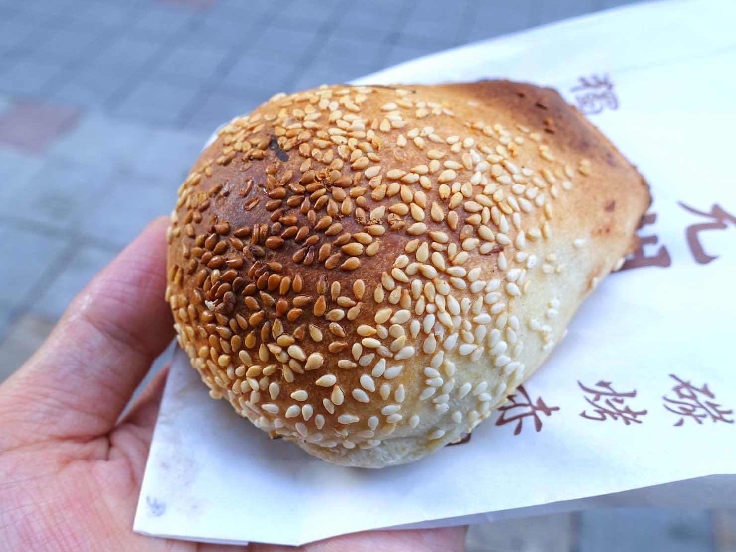 台北駅周辺のおすすめ台湾グルメ店「福元胡椒餅」の胡椒餅