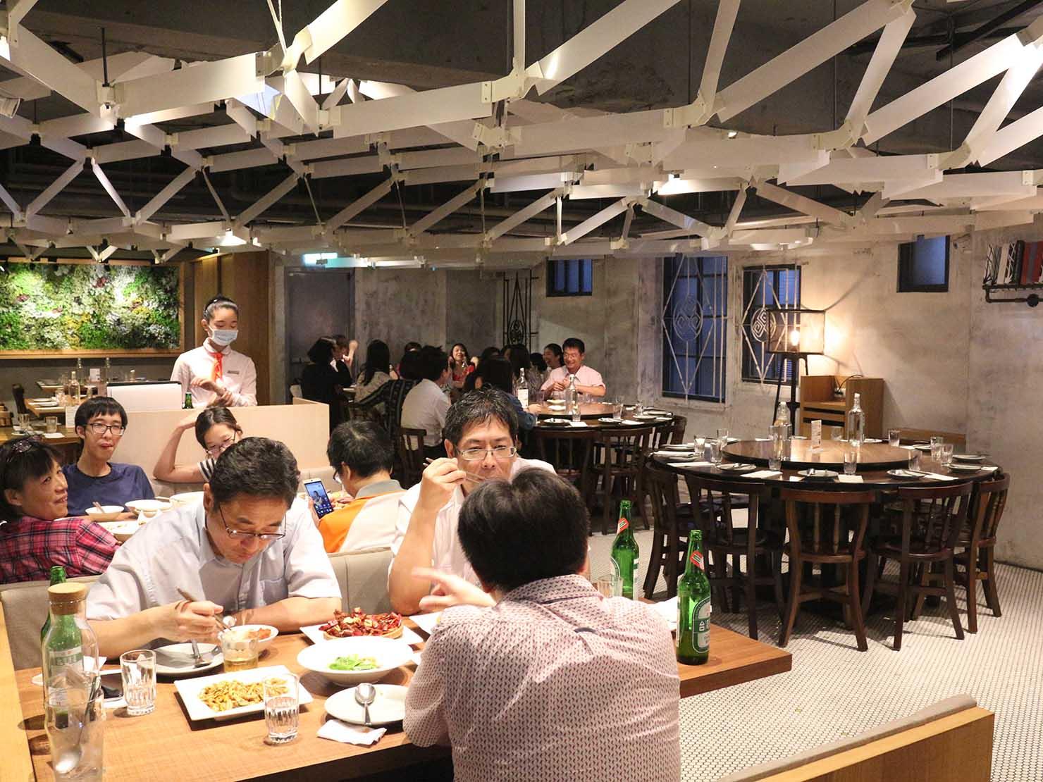 台北の本格派台湾料理店「參和院」の店内