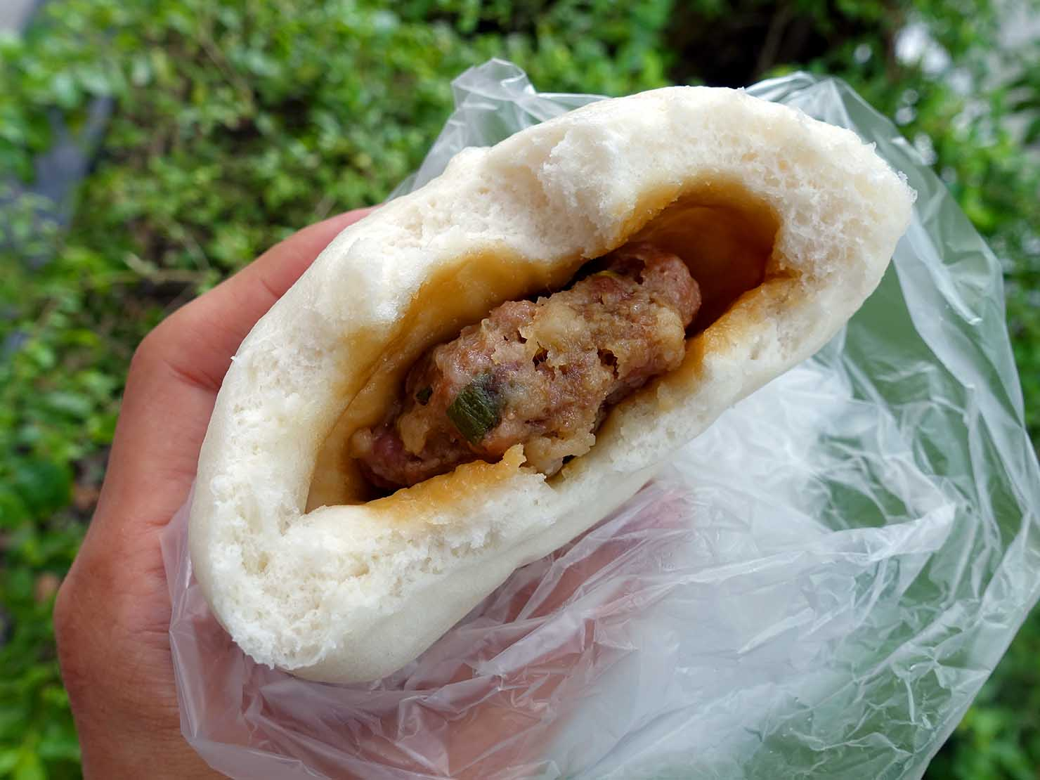 台北・東門エリアのおすすめグルメ店「潮州包子」看板メニュー・潮州包子のクローズアップ