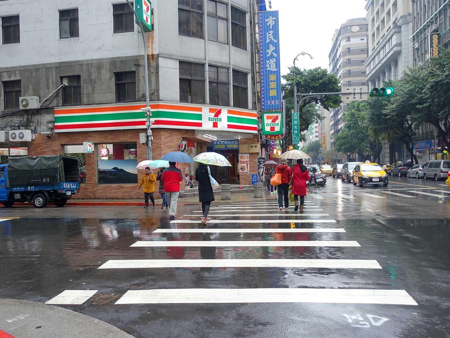 台北の交差点・林森農安路口